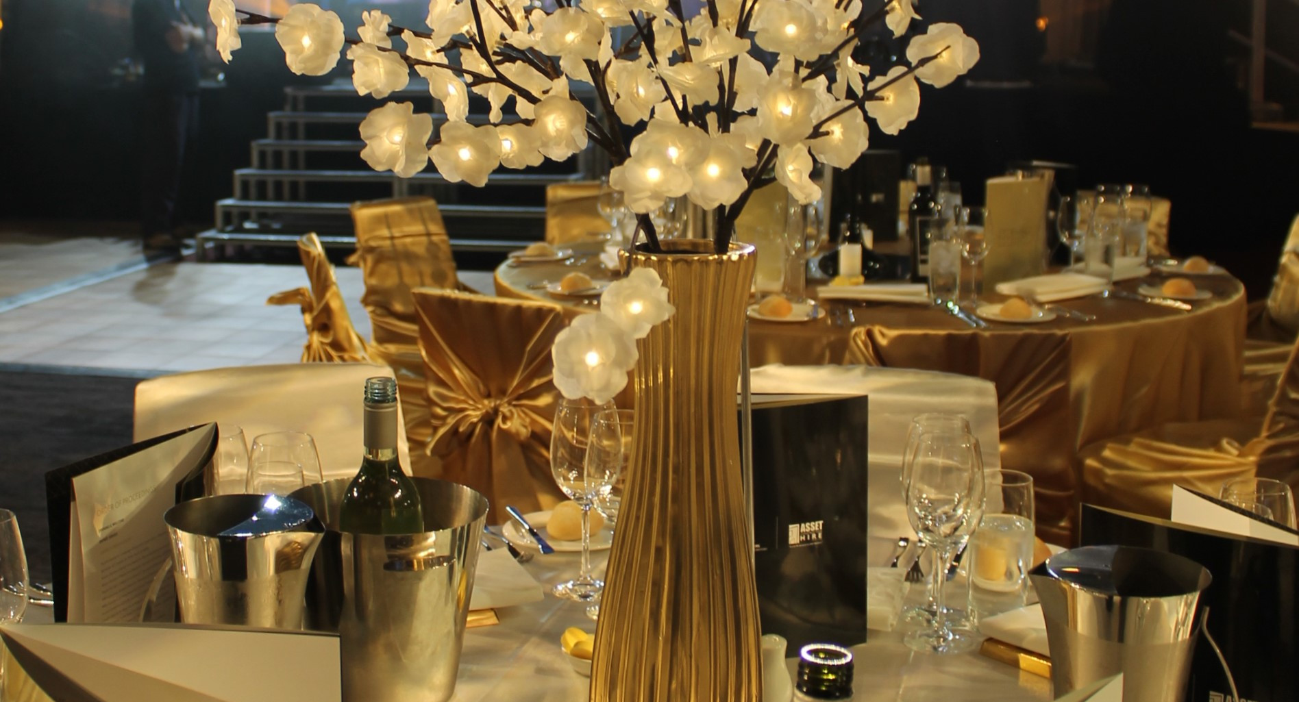 Flower Light Centrepiece Gold