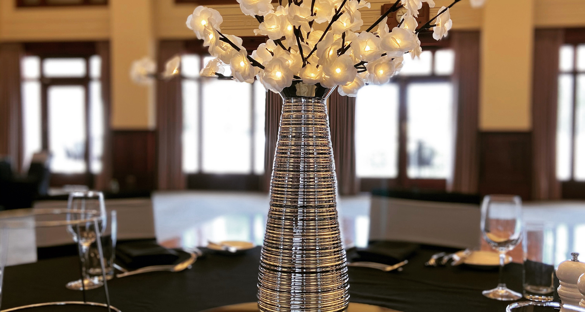 Flower Light Centrepiece Silver