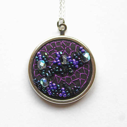 Purple geode embroidered necklace
