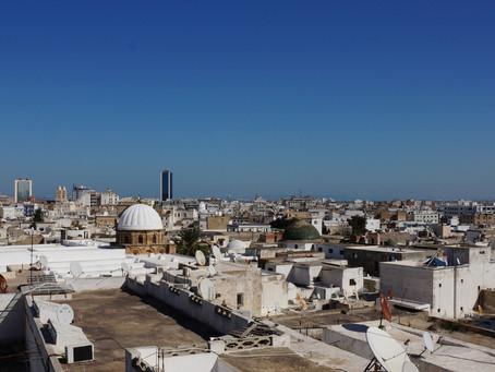 Túnez prolonga un mes el estado de emergencia