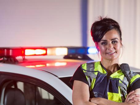 Cincuenta años de la mujer en la Policía Local:la lucha por quitarse el tacón