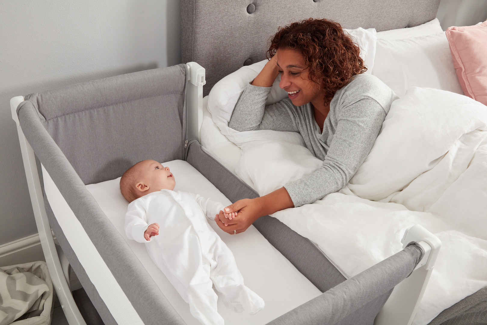Shnuggle Bedside Sleeper