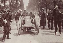 L'arrivée_victorieuse_de_Louis_Renault_à_Bordeaux_(Paris-Madrid_1903)