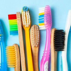Millones de cepillos de dientes tirados a la basura deberían ser reciclados y sostenibles