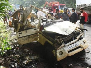 A car - lorry collision in Kerala killed 5.
