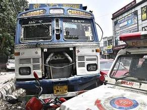 5 dead in Delhi as a speeding truck runs over them.