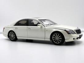 Maybach 57 S (White) - 2005 - AUTOart