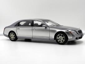 Maybach 62 (Himalayas Grey Bright - Nayarit Silver) - 2004 - AUTOart