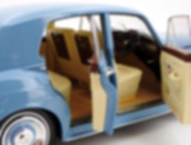 Rolls-Royce Silver Cloud II (light blue)