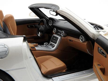 Mercedes-Benz SLS AMG roadster (R197) -