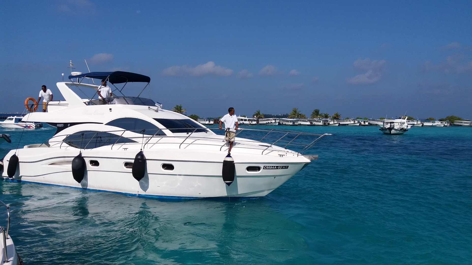 maldives yachts (6) (Large).jpg