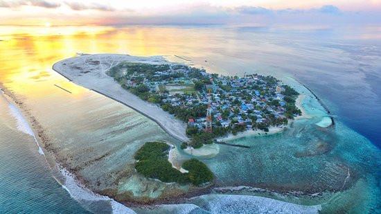 island-thulusdhoo.jpg