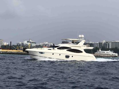 charter yacht maldives-min.JPG
