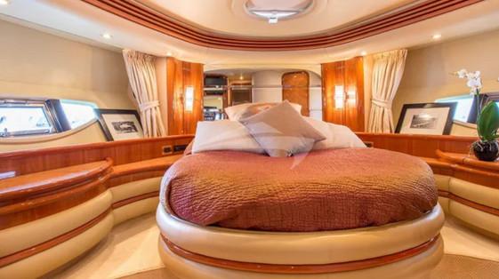 azimut yacht.4.jpg