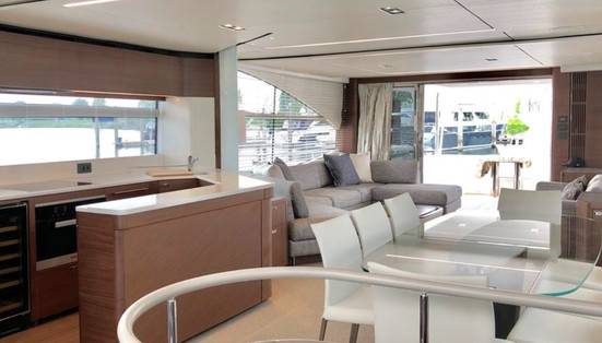 princess yacht 2y75-min.jpg