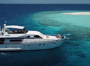Maldives day charter yacht
