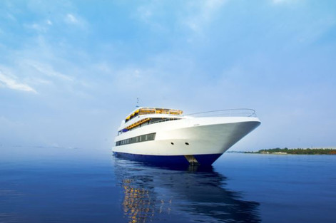 maldives yacht.JPG