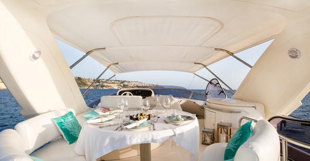 azimut yacht.9.jpg