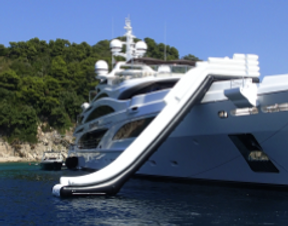yacht slider rent in Maldives.png