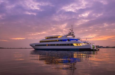 maldives yacht booking.JPG