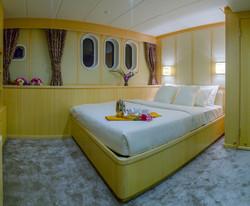 maldives luxury transfer yacht (10).jpg