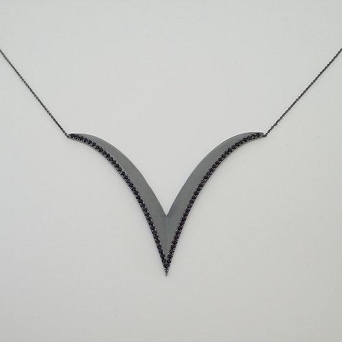 Extreme V  Large Pendant with onyx