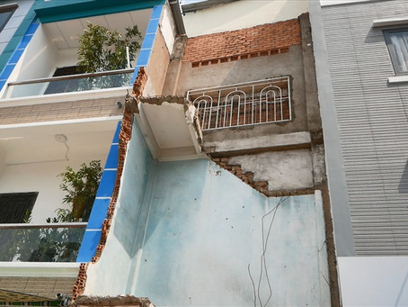 """HCMC """"Wipes Out"""" Super Thin Houses"""