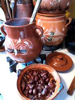 mexican_bean_pot_purple_beans_stove2