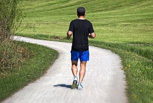 jogger-1379443_1920.jpg