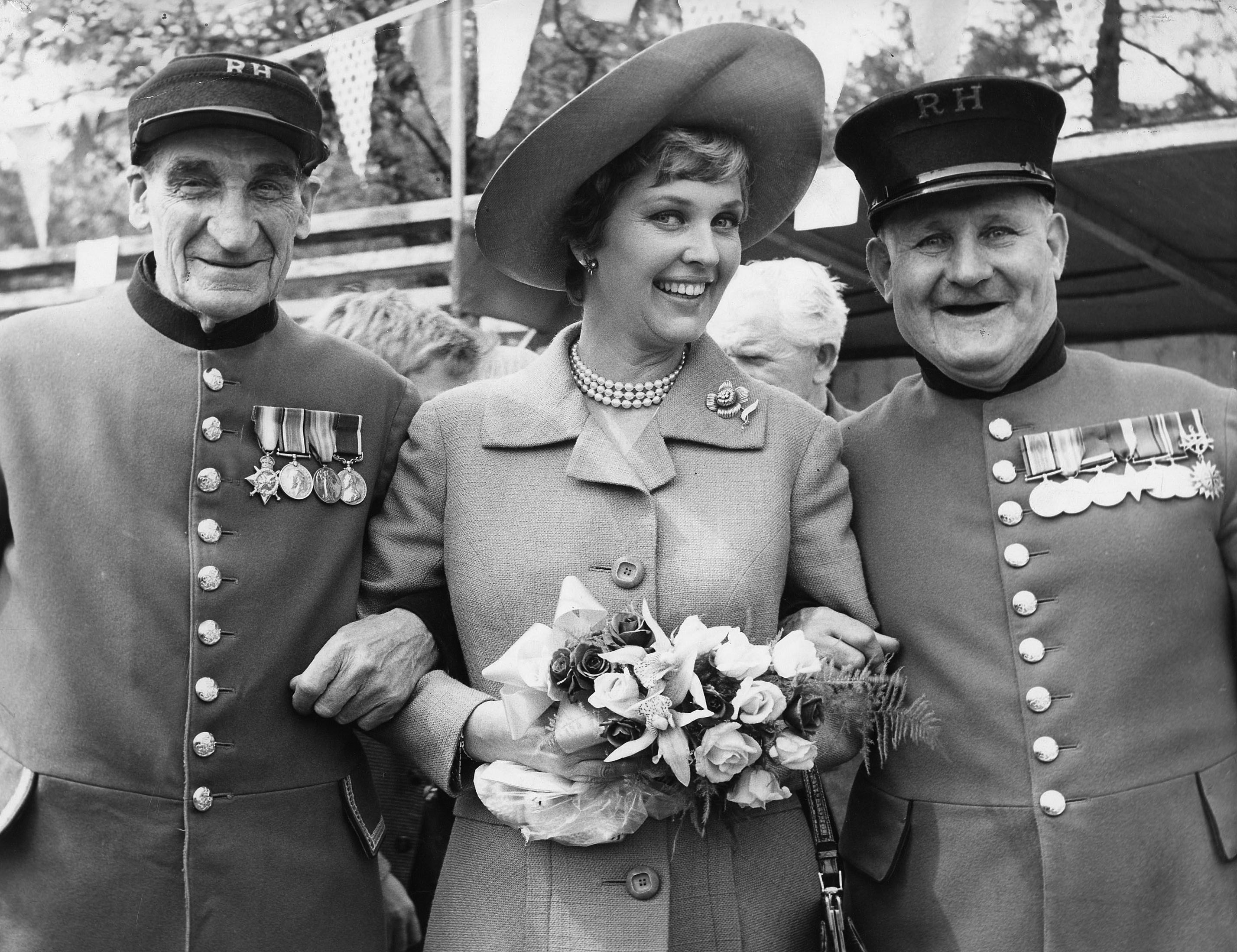 katie boyle with chelsea pensioners