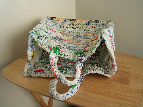 crochet-bags_8-clever-uses-for-plastic-bags