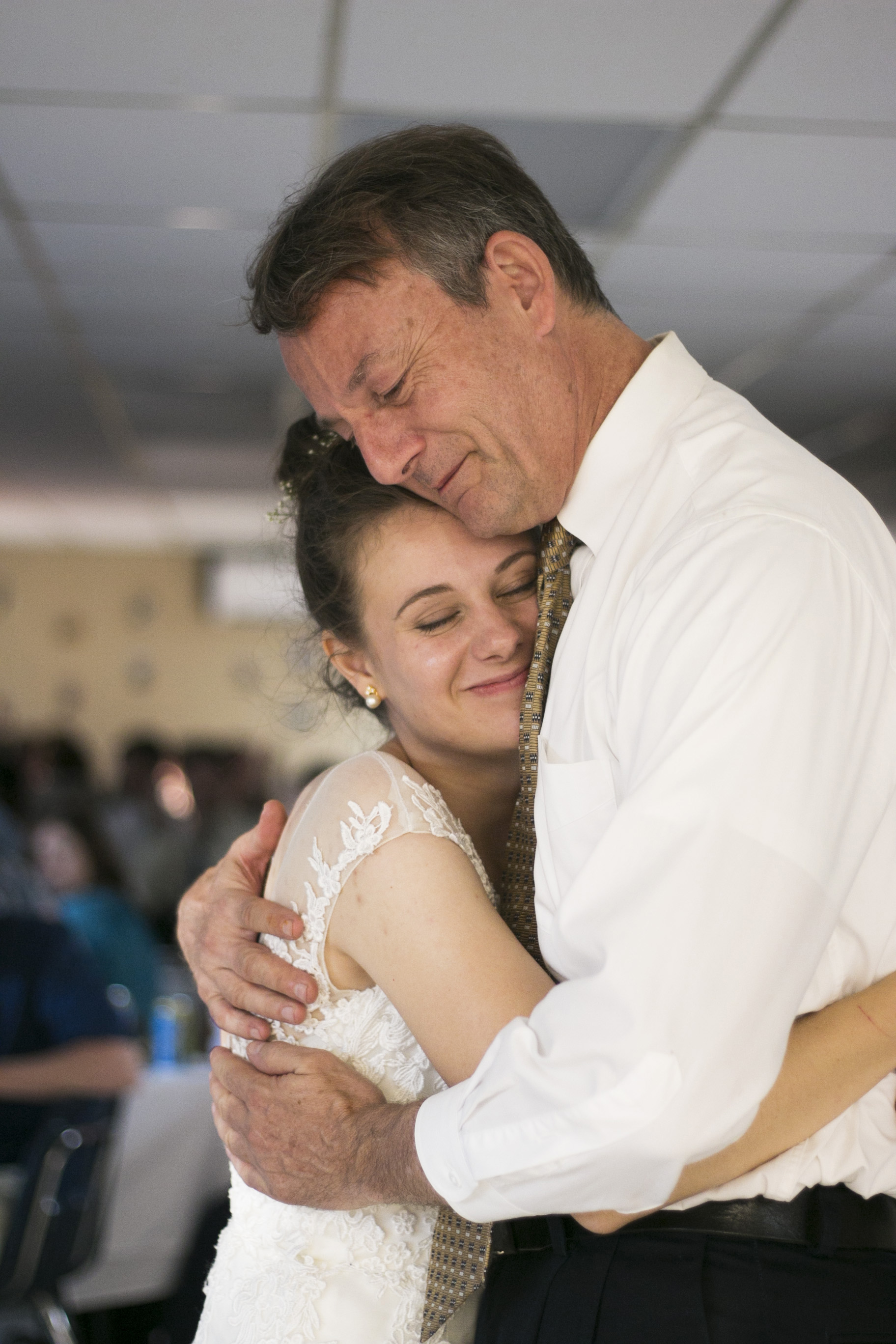 Bride Tori and her father dance