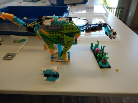 January LEGO Workshop: Dino-Heroes