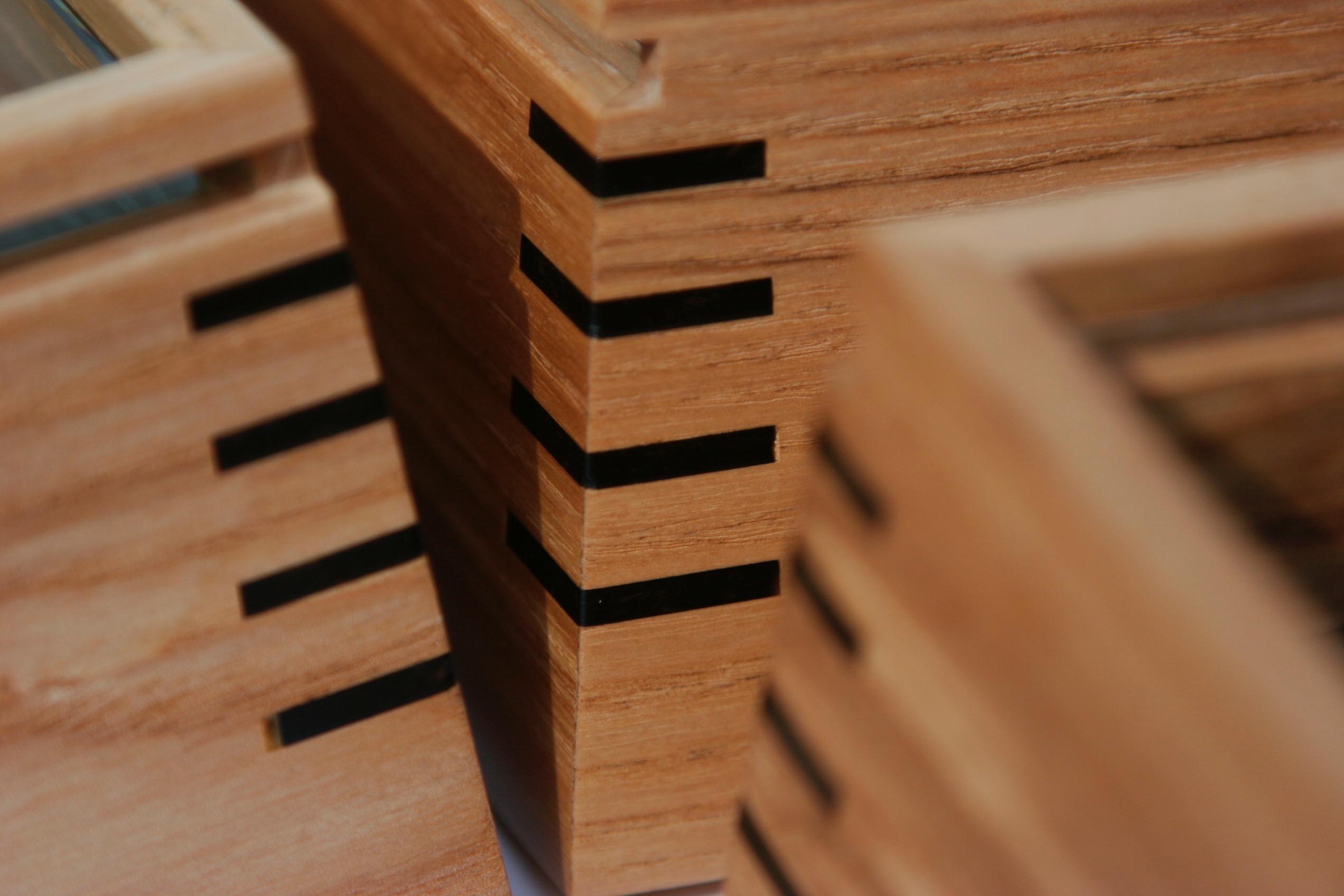 box (8)
