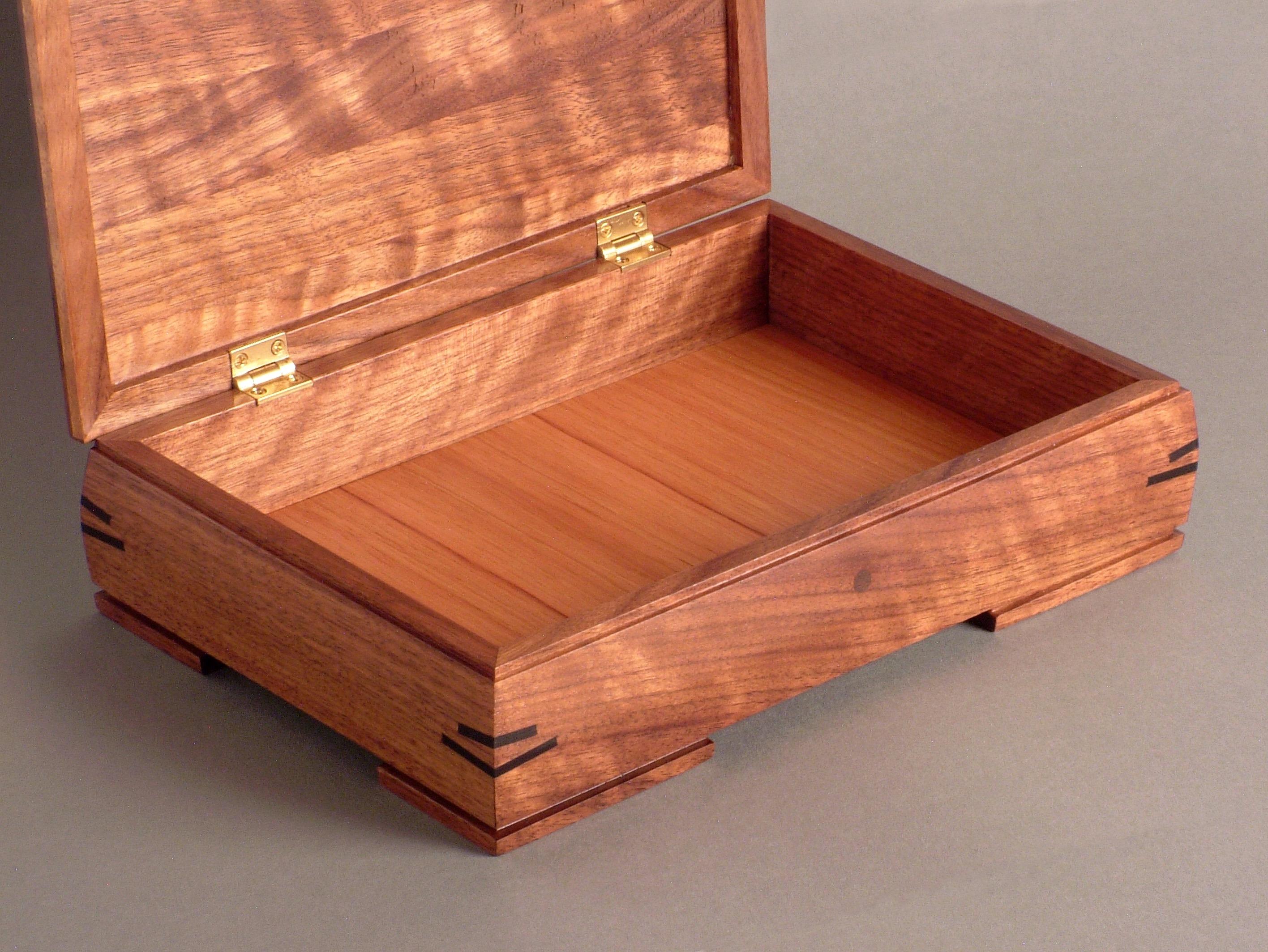 box (3)