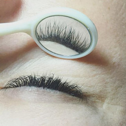 Properly placed✅ #eyelashextensions by N