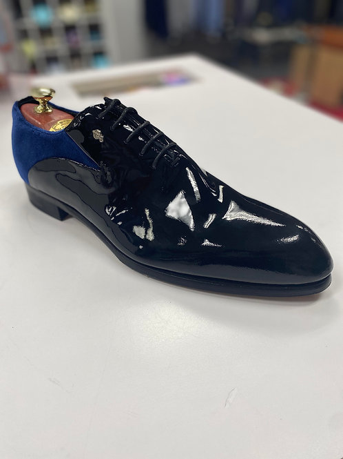 Ceremonial shoe