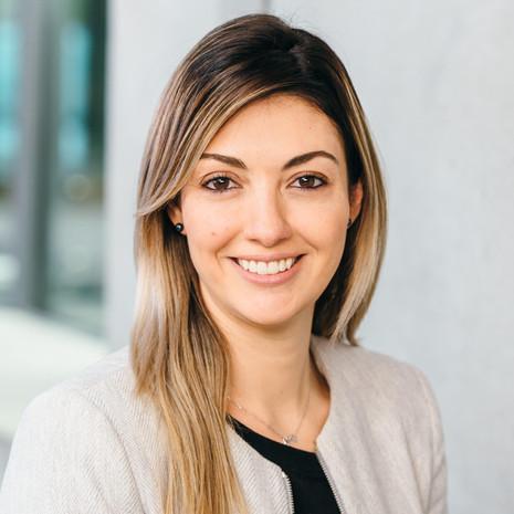 Dr. Nicole de Paula