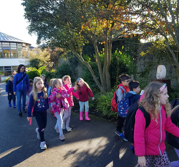 First Class had an Amazing Time at the Botanic Gardens! Check out these fantastic photos..