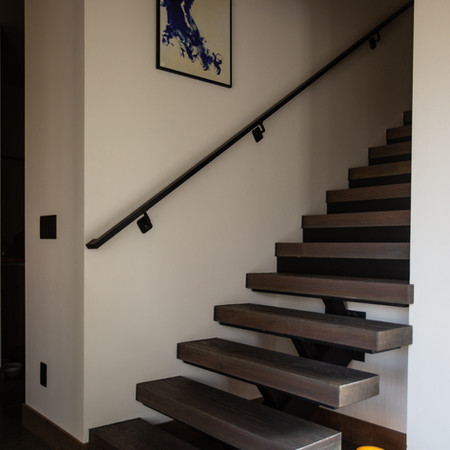 H Open Stairs