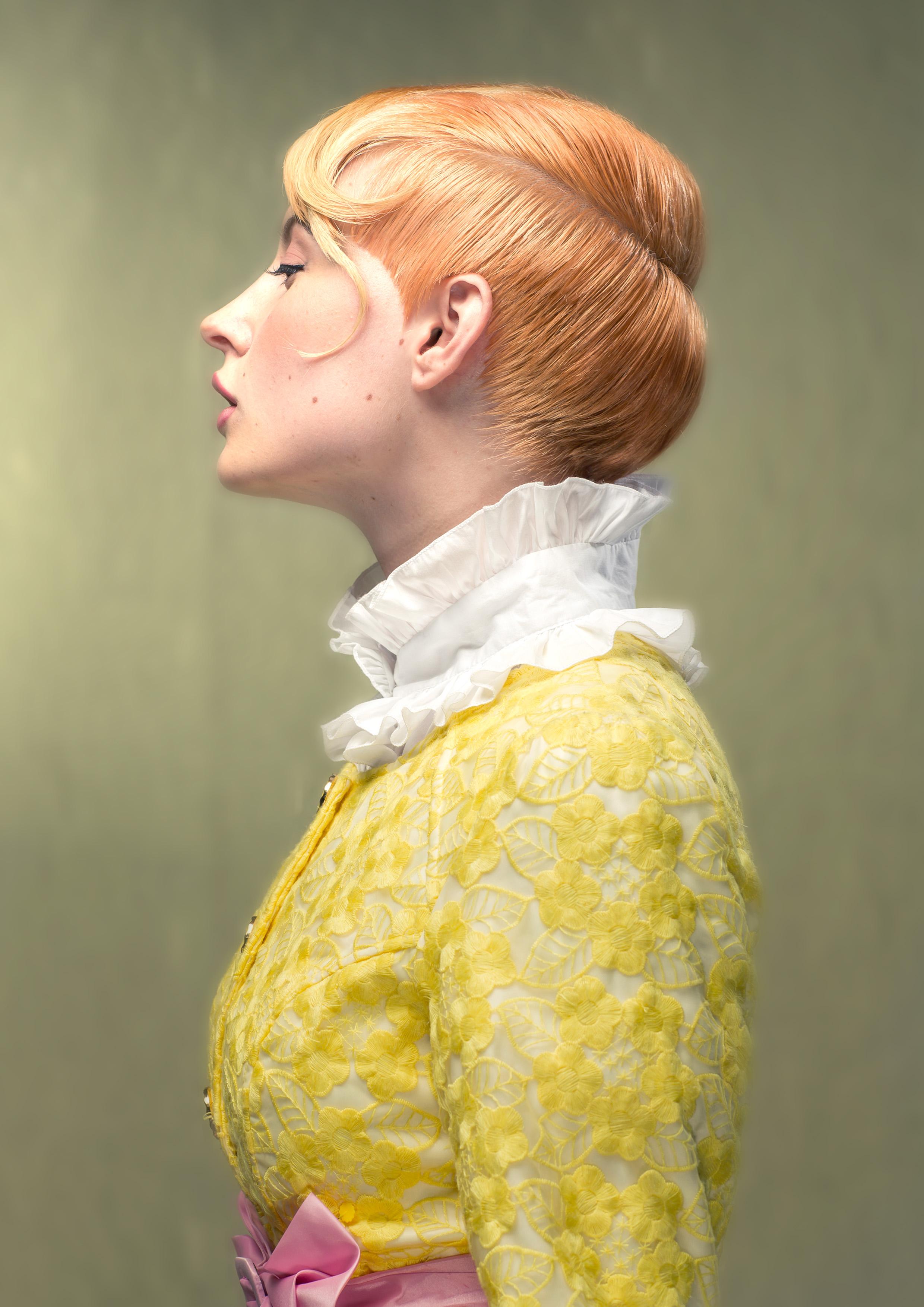 1+elise+side+portrait