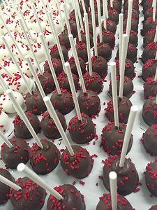 Moneta Moments Cake Pops