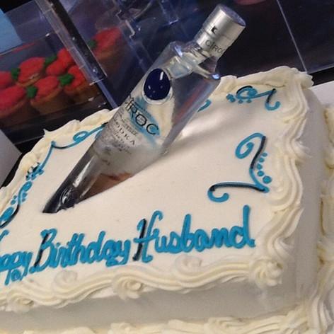 Custom Cakes | Moneta Moments