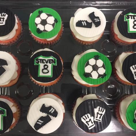 Soccer Cupcakes | Moneta Moments