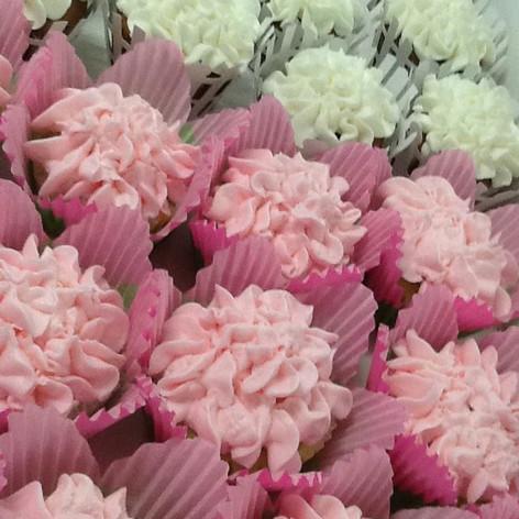 Custom Cupcakes | Moneta Moments