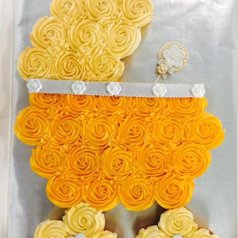 Baby Shower Cupcake Cake | Moneta Moments