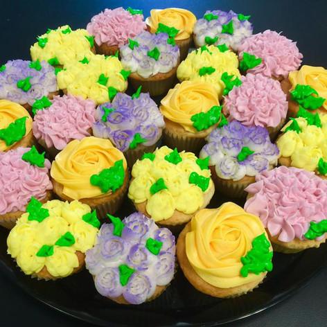 Flower Cupcakes | Moneta Moments