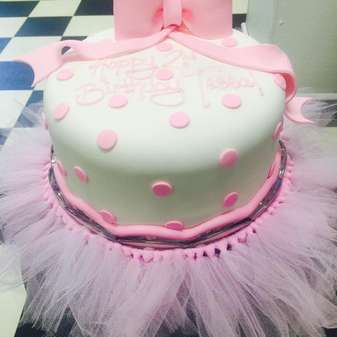 Girls Cakes | Moneta Moments