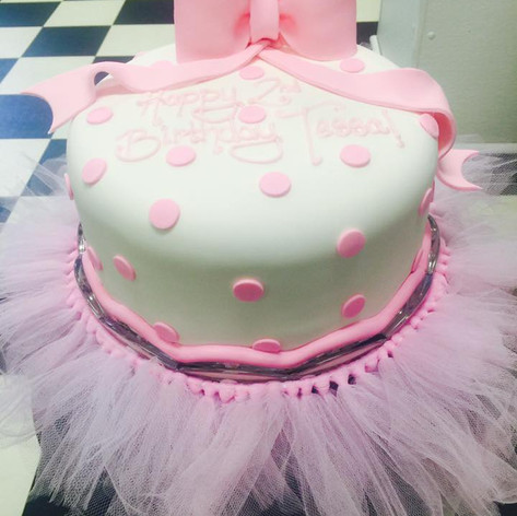 Girls Cakes | Moneta Moments