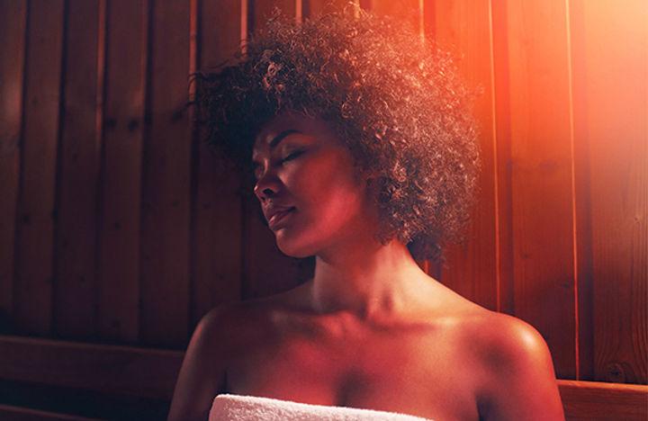 woman-in-infrared-sauna_jpg-600x390.jpeg